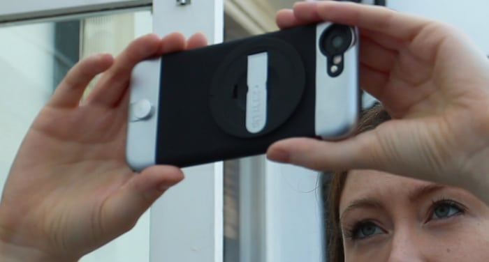Girl filming with an iPhone 6S in a Ztylus case